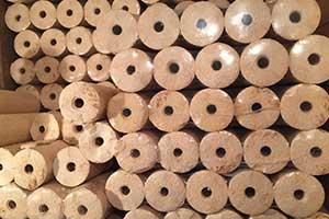 Holzbriketts sind platzsparend