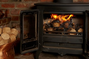 Lange warmhalten von Räumen mit Holzbriketts