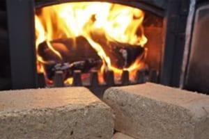 Buchenholzbriketts für Kamine und Öfen