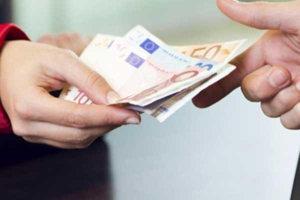 Zahlung in bar am Liefertag